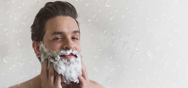 se laver la barbe